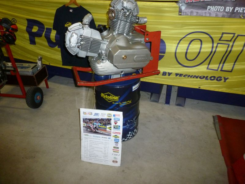 20-21 september 2017 Open House Doetam Doetinchem Netherlands, Ducati  Square Bevel Engine 1975-1977 with Ducati ignition, new made Clutch cover, cam cover 750 round case, came cover (round Case ) with 900 on it