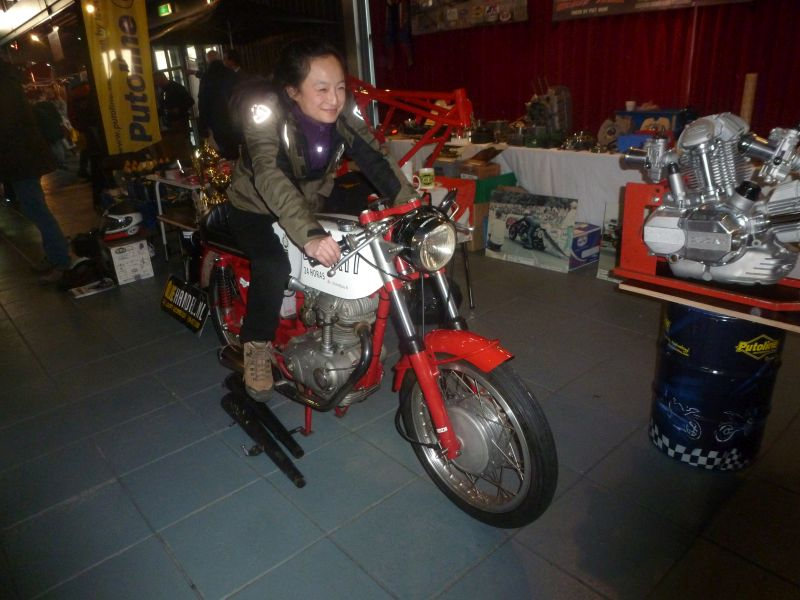 13-14 january 2018 Rosmalen Netherlands, jong lady on the Ducati 1 cylinder 250 cc Motortrans made in Barcelona Spain, she has yust bought a Honda 250 bike, but she likes the Ducati 24 Horas